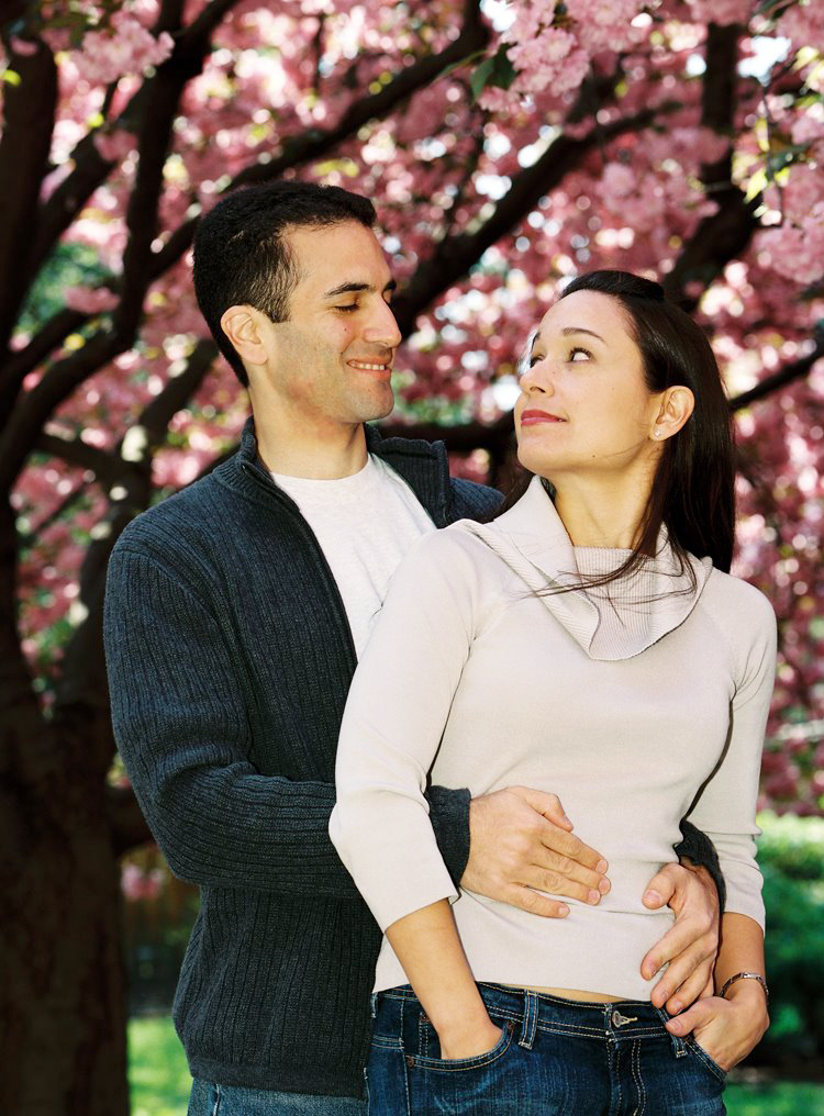 Engagement Session by Karen Wise at the Brooklyn Botanic Garden (BBG)