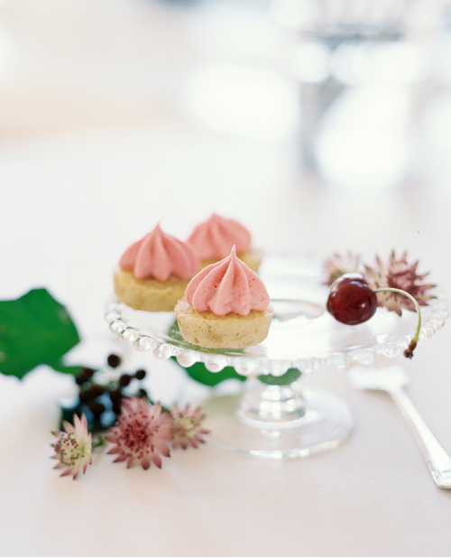 KarenWise_CupcakesStillLifeRueMag_01sm